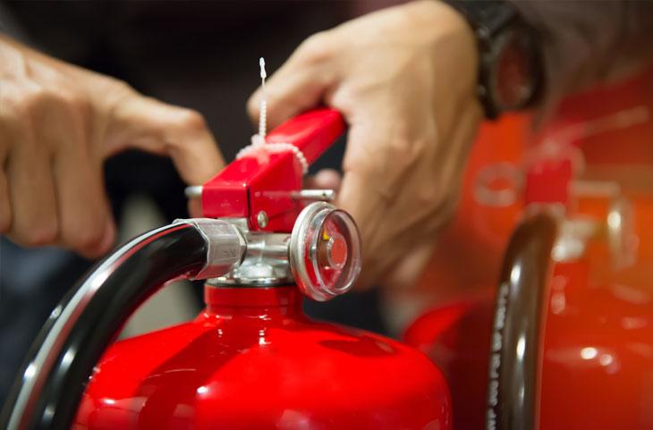 Mantenimiento y recarga de extintores